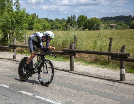 Bourgoin-Jallieu, France - 07, May, 2017: The Australian cyclist Ben OConnor of Dimension Data Team riding during the time trial stage 4 of Criterium du Dauphine 2017. Redactioneel