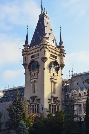 particolare: Torre dell'Orologio con particolare progettazione architettonica