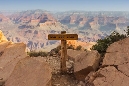 south kaibab trail: Capture of Ooh Aah Point on the Grand Canyon South Kaibab Trail with background rock formations