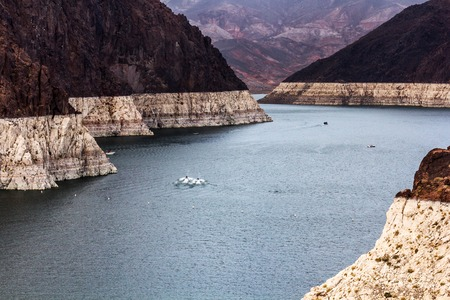 hoover dam: Landscape of Lake Mead from Hoover Dam, on the border between US states Arizona and Nevada.