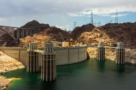 hoover dam: View of the Hoover Dam complex power station.