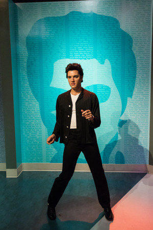 Los Angeles, CA, Verenigde Staten - 6 juli 2013: Madame Tussauds Hollywood-figuren - Elvis Presley.