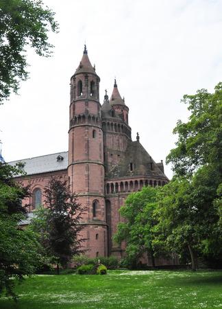 gusanos: Catedral de San Pedro en Worms, Alemania Foto de archivo