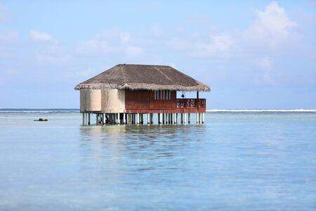 bungalow: Bungalow in indian ocean