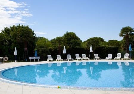 a swiiming pool with blue sky Reklamní fotografie
