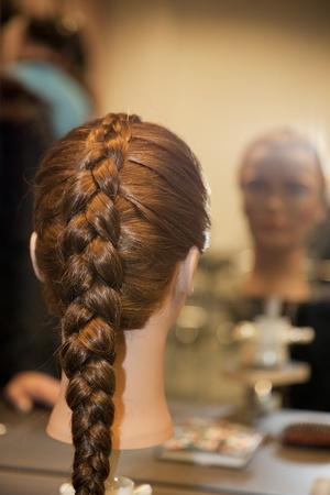 hair curler: The dummy in beauty salon