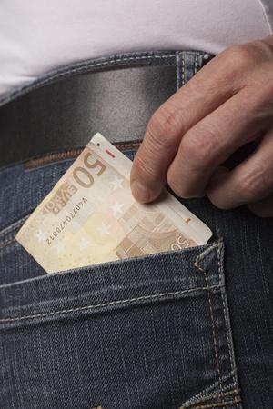 detail of stealinga 59 euro biljet photo