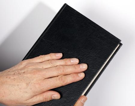 hand on the Holy Bible Reklamní fotografie - 12043158