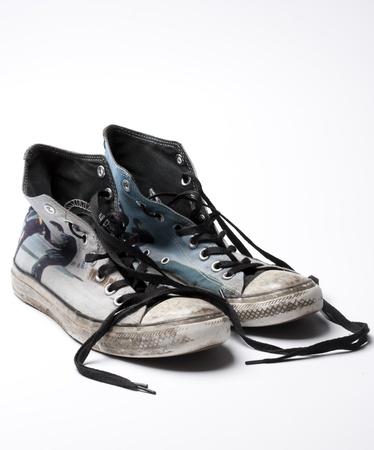 Starý pár módních plátně boty