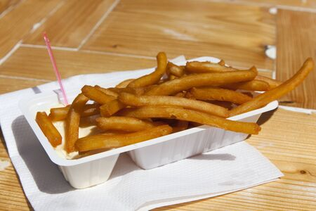 frites: Box with dutch frites