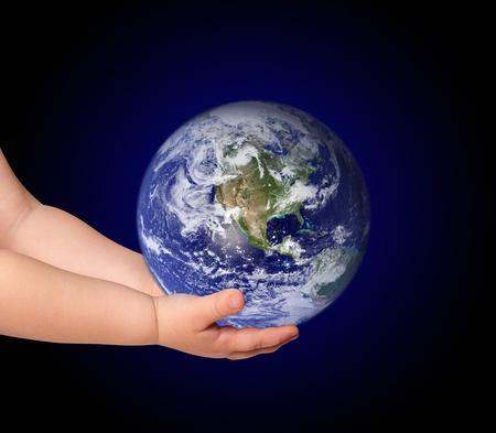 paz mundial: Ni�a mantenga el globo en negro
