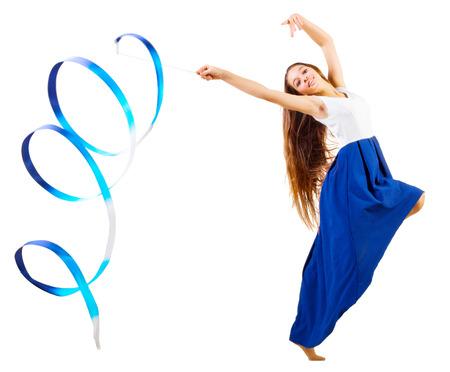 gymnastics: Junges Mädchen, das engagierte Kunst Gymnastik isoliert