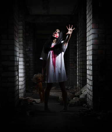 dead woman: Zombie girl in the ancient house