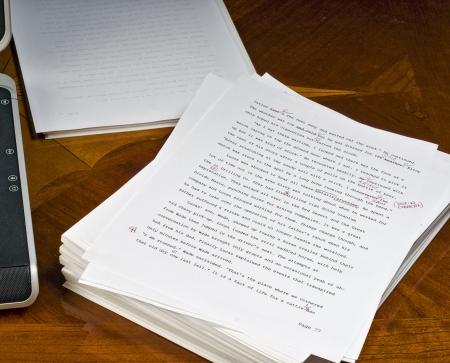 Hasta la página 77 sobre la re-escritura de los autores de manuscritos. Foto de archivo