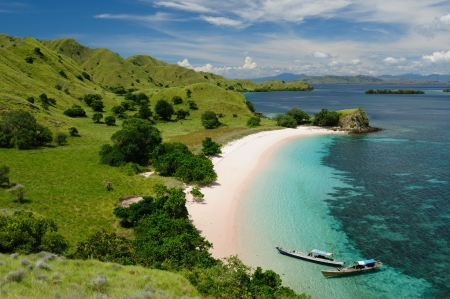 komodo national park - isladnds paradise for diving and exploring. the most populat tourist destination in indonesia, nusa southeast.