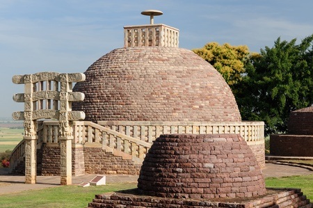 bhopal: Ancient Stupa in Sanchi, Madhya Pradesh, India. Stupa nr 3 is northeast of the Great Stupa and similar in design, though smaller Stock Photo