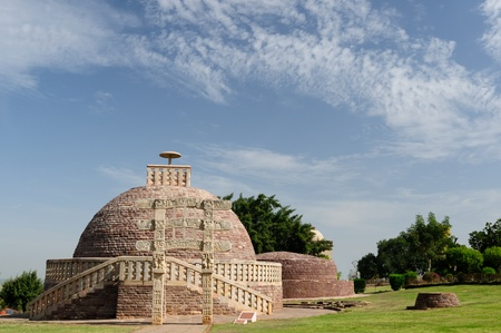 sanchi stupa: Ancient Stupa in Sanchi, Madhya Pradesh, India.