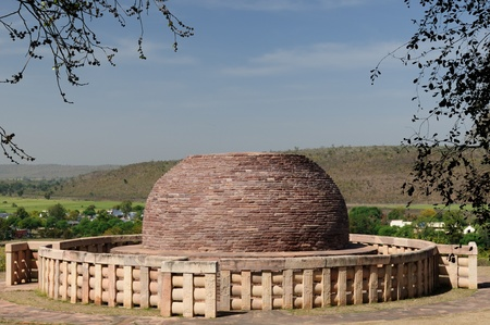 bhopal: Stupa antiguo en Sanchi, Madhya Pradesh, India. Stupa nr 2, el m�s antiguo Stupa en Sanchi