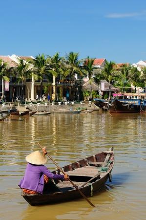 Hoi An Stadt - Höhepunkt jeder Reise nach Vietnam. Hio Eine alte Stadt ist ein UNESCO-Weltkulturerbe. Vietnam Standard-Bild - 12098620