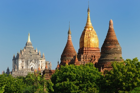 boxy: Myanmar (Burma), Bagan, Thatbyinny Pahto Temple - Bagans highest temple is built of two  white-coloured boxy storeys. Built in 1144 by Alaungsithu. Stock Photo