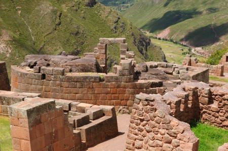pisaq: Peru, Pisac (Pisaq) - Inca ruins in the sacred valley in the Peruvian Andes. The picture presents temple of the Sun Stock Photo