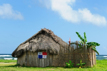 tigre: Panama, Traditional house kuna indians with the roof thatched on a Tigre island on the San Blas archipelago