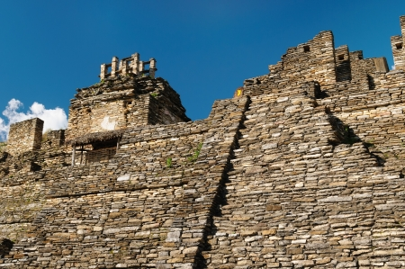 Mexico, The towering ceremonial core of Tonina. near Ocosingo comprises one of the Maya worlds imposing temple complex. The picture presents general view of the temple complex 版權商用圖片 - 18497242