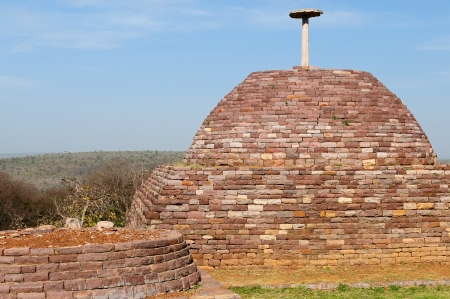 buddhist stupa: Buddhist Stupa in Sanchi, Madhya Pradesh, India  Stock Photo