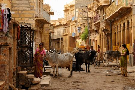 bustling: JAISALMER, INDIA - APRIL 03  Hindu bustling street in Jaisalmer, Kolkata in April 03, 2010 Editorial