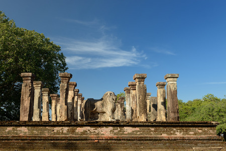 vihara: Polonnaruwa ruin was the second capital of Sri Lanka after the destruction of Polonnaruwa. The photograph is presenting  Nissanka Mallas Palace. Sri Lanka Stock Photo