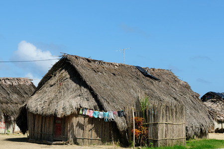 yala: Panama, Traditional house Kuna indians with the roof thatched on a islands on the San Blas archipelag