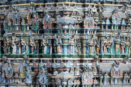 north gate: Meenakshi  Sundareswarar Temple in Madurai. Tamil Nadu, India. It is a twin temple, one of which is dedicated to Meenakshi, and the other to Lord Sundareswarar. Detail