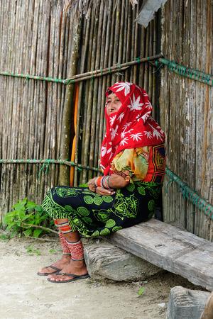 tigre: KUNA YALA, PANAMA - NOVEMBER 10: Traditional Kuna indians on women and Tigre island on the San Blas archipelago in Panama in Central America in November 10, 2012Central America, Panama, Traditional Kuna indians on women and Tigre island on the San Blas ar Editorial