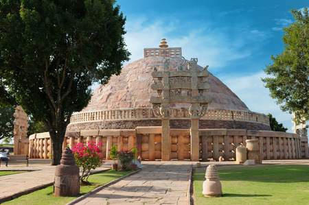 sanchi stupa: Ancient Buddhist Stupa in Sanchi, Madhya Pradesh, India.