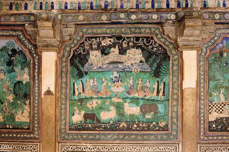 인도, 라자 스 탄에서 Bundi 도시에서 궁전에서 장식 된 벽의 세부 사항 스톡 콘텐츠 - 86866076
