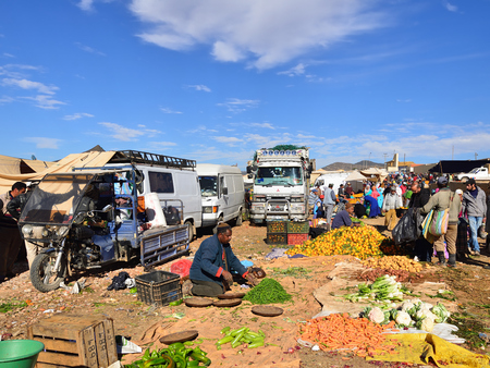 AZILAL, MOROCCO - 01 DECEMBER 2015: Provincial market in the central part of Morocco in the Azilal small town Standard-Bild - 103886254