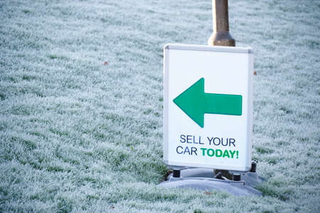 Sell your car sign and direction arrow
