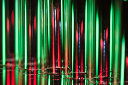 Christmas Abstract: Vertical Streaks of Red and Green Light Forming a Holiday Background Imagens