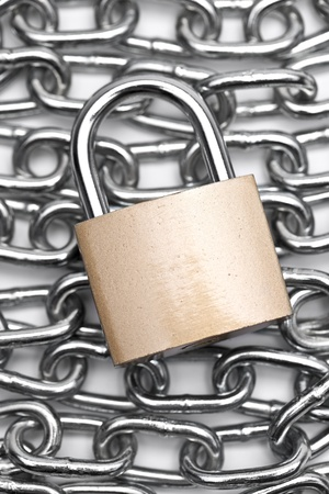 r sliced: chain with padlock