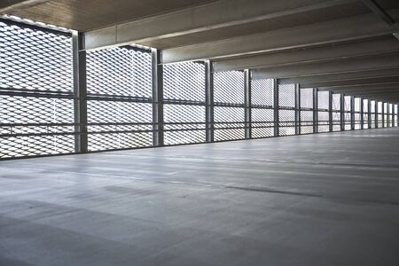 perimeter: parkdeck with metal wall