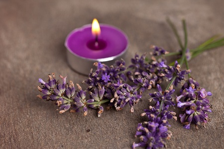 candel with flamme with lavender Stock Photo - 12508345