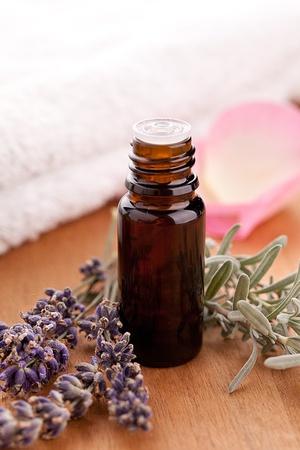 parfum: lavendel and parfum bottle with towel