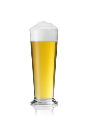 gastro: beer glass rod Altbier beer froth dripping foam crown gold pils alcohol brewery Gastro isolated