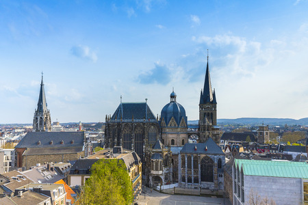 Aachener Dom Aachen Pfarrkirche Pfarrei St. Foillan Kaiserdenkmal gotischen Kirche Lizenzfreie Bilder