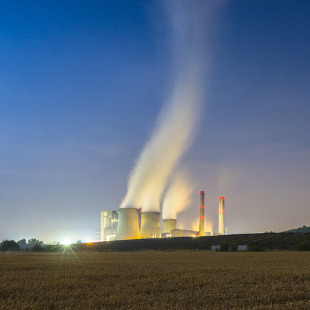coal fired: Coal-fired power plant at night