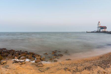 vuurtoren van Nederland kust in Marken