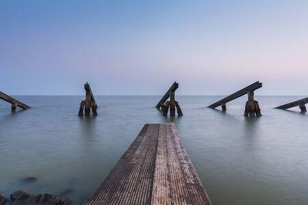 groep van ijsbrekers aan de kust van Nederland