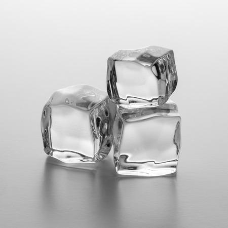 cubetti di ghiaccio: mucchio di cubetti di ghiaccio Archivio Fotografico