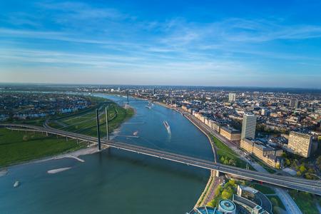 Luchtfoto van de stad Düsseldorf in Noordrijn Duitsland