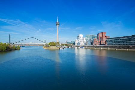 Düsseldorf in Deutschland im Frühjahr Lizenzfreie Bilder